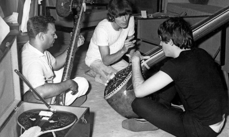 Sitar lesson for Paul and George