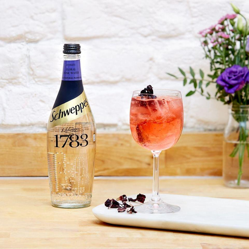 <p><strong>What you need: </strong></p><p>15ml Hibiscus Beefeater Pink</p><p>10ml Campari</p><p>150ml Schweppes 1783 Floral Tonic Water</p><p><strong>Method: </strong></p><p>Build gin and Campari in a wine glass over cubed ice. Top up with the Schweppes tonic water. Gently stir to mix.</p>