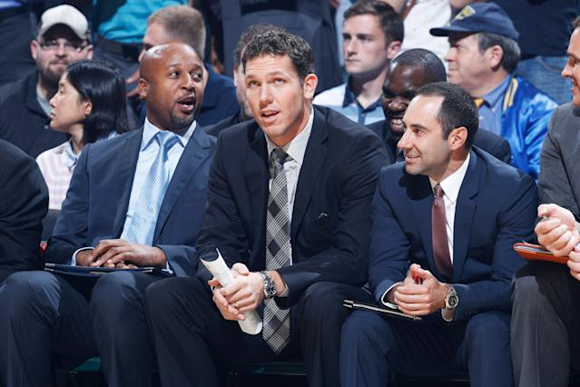Jesse Mermuys (right) is one of three coaches joining Luke Walton in Sacramento. (Photo by Joe Robbins/Getty Images)