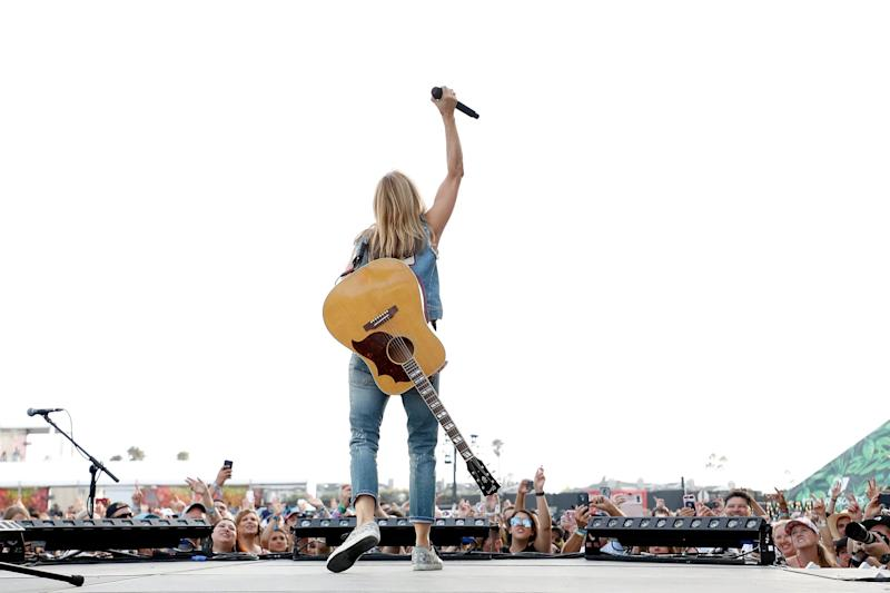 DEL MAR, CALIFORNIA - SEPTEMBER 15: Sheryl Crow performs during the 2019 KAABOO Del Mar Festival at Del Mar Race Track on September 15, 2019 in Del Mar, California. (Photo by Taylor Hill/Getty Images)