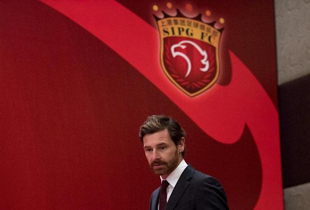 Andre Villas-Boas, the newly announced head coach for Shanghai SIPG FC, arrives for a press conference in Shanghai, on November 4, 2016 (AFP Photo/Johannes Eisele)