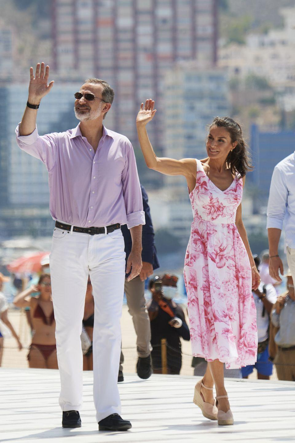 <p>For a visit to the seafront in Benidorm, Queen Letizia donned a floral dress and espadrilles; a casual ponytail finished off the look.<br></p>