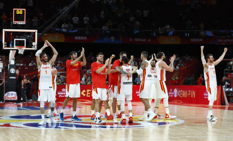 Basketball - FIBA World Cup - Semi Finals - Spain v Australia - Wukesong Sport Arena, Beijing, China - September 13, 2019 Spain's players celebrate victory after the match REUTERS/Thomas Peter