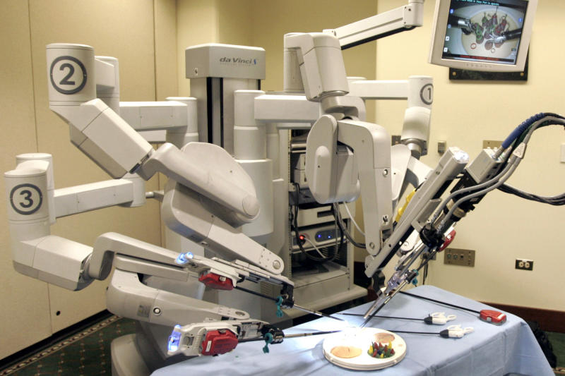 OB/GYNs told robot hysterectomy not best option