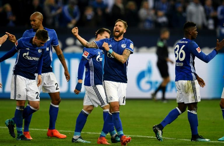 Schalke's striker Guido Burgstaller celebrates scoring against Hamburg on November 19, 2017