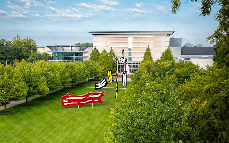 Roy Lichtenstein (American, 1923–1997), Five Brushstrokes, designed 1983–1984, fabricated 2012, painted aluminum, various dimensions. Indianapolis Museum of Art at Newfields, Robert L. and Marjorie J. Mann Fund, Partial Gift of the Roy Lichtenstein Foundation, 2013.443A-E.4 © Roy Lichtenstein Foundation