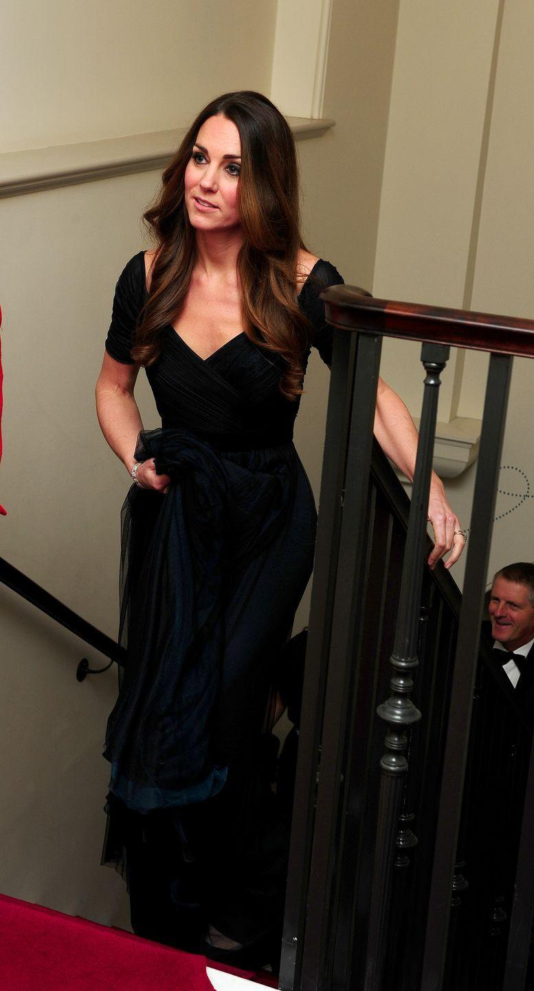 <p>Kate held up the long skirt of this dark, blue-green gown by Jenny Packham while at a gala dinner for Action on Addiction hosted by the 100 Women in Hedge Funds in London. </p>