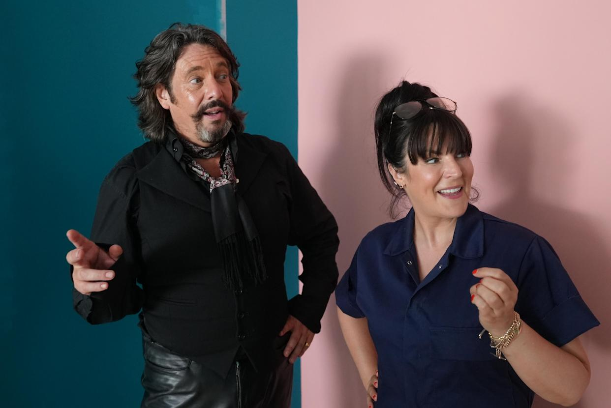 Laurence Llewelyn-Bowen has returned to 'Changing Rooms' with new host Anna Richardson. (Channel 4)