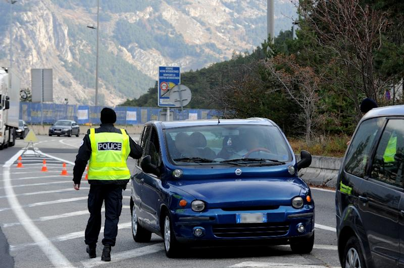 French customs check across border irks Italy