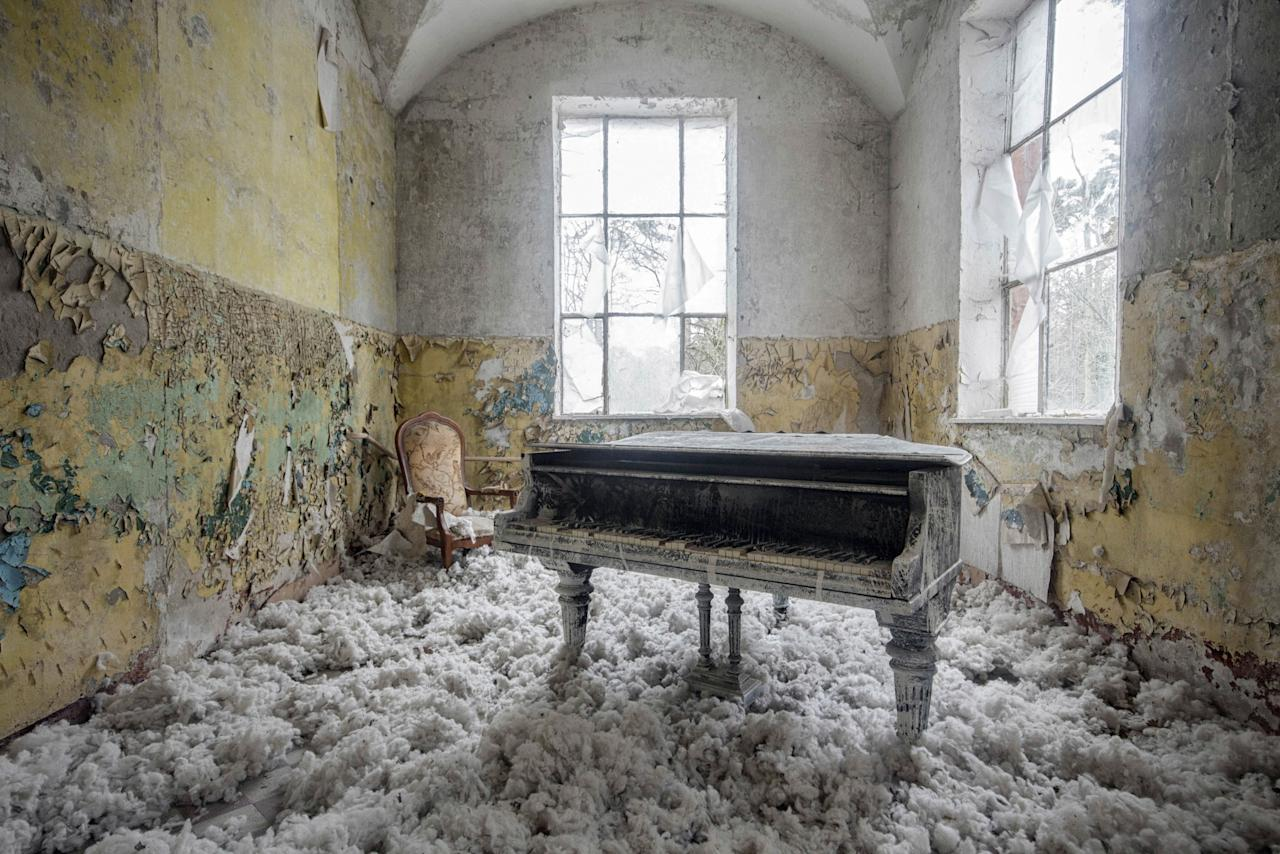 <p>A piano in Germany. (Photo: Romain Thiery/Caters News) </p>