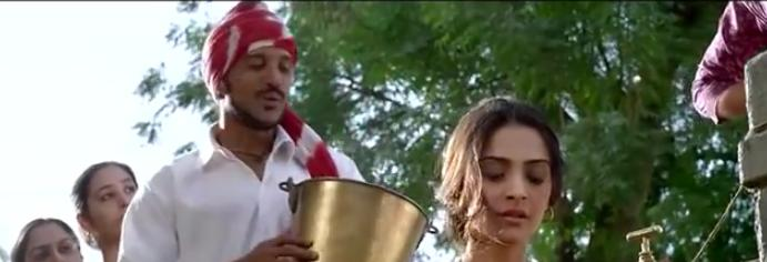 <p>The song <i>Nanha Munna Rahi Hoon</i>, where Farhan tries to woo Sonam Kapoor, is suppose to be set in early 1950s. However, the song itself was released only in 1962 in the film<i> Son Of India.</i> Not just that, the film also had mobile towers spotted in some scenes, which actually did not exist in that era.<br /></p>