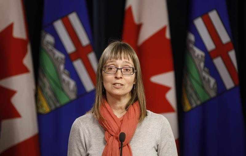 Alberta's top doctor says pandemic adds to back-to-school jitters as students return