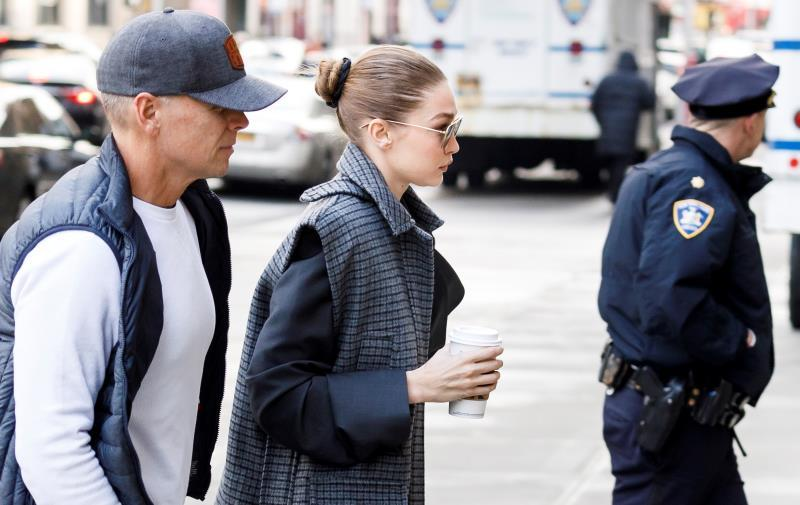 US model Gigi Hadid (C) arrives to New York State Supreme Court to be vetted for the jury for the trial of former Hollywood producer Harvey Weinstein in his sexual assault trial in New York. Hadid was was not put on the jury for the trial, which is expected to last for about eight weeks and is based on sexual assault and rape allegations of two separate women. EFE/EPA/JUSTIN LANE