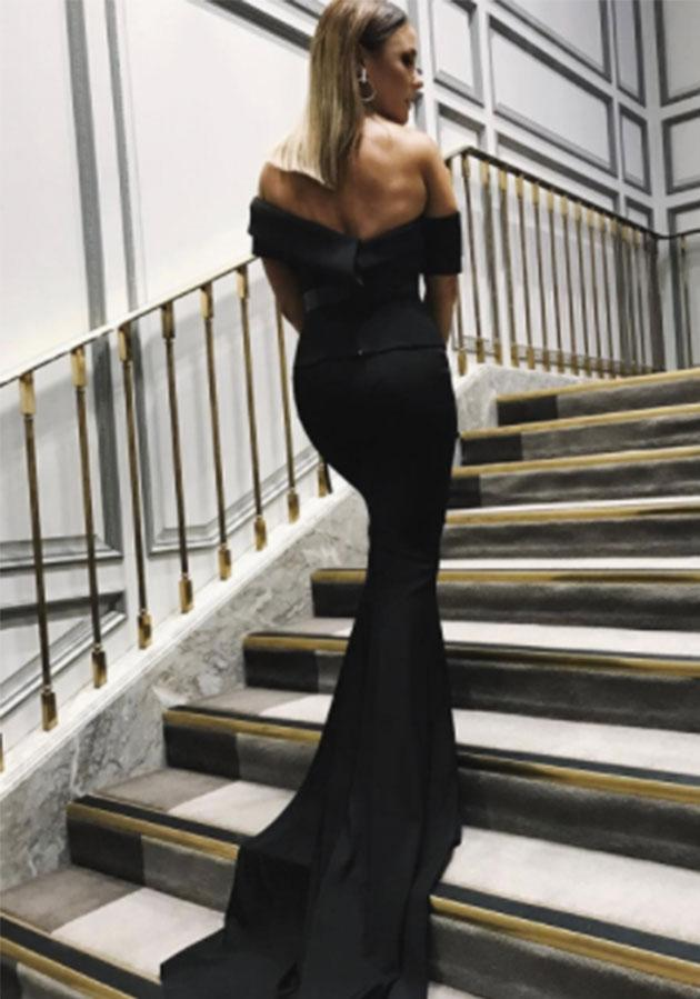 <p>Aaron Finch must be pinching himself at his babe adorned in a stunning Cappellazzo Couture gown.</p>
