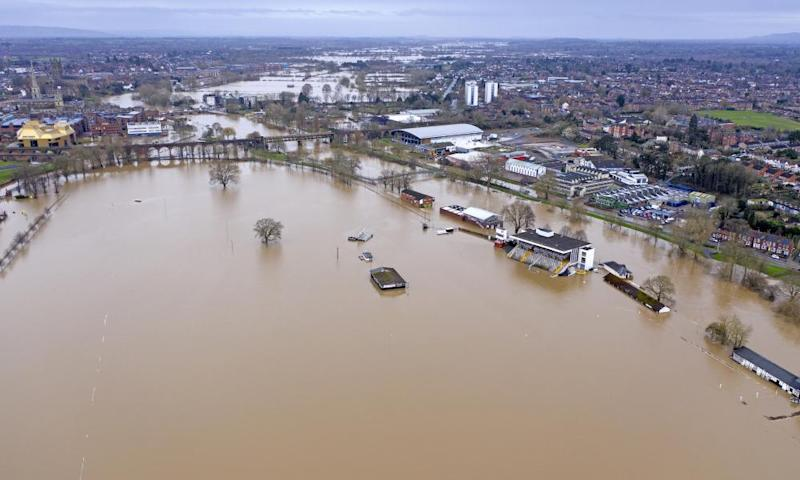 Flooding in Worcester city centre and racecourse