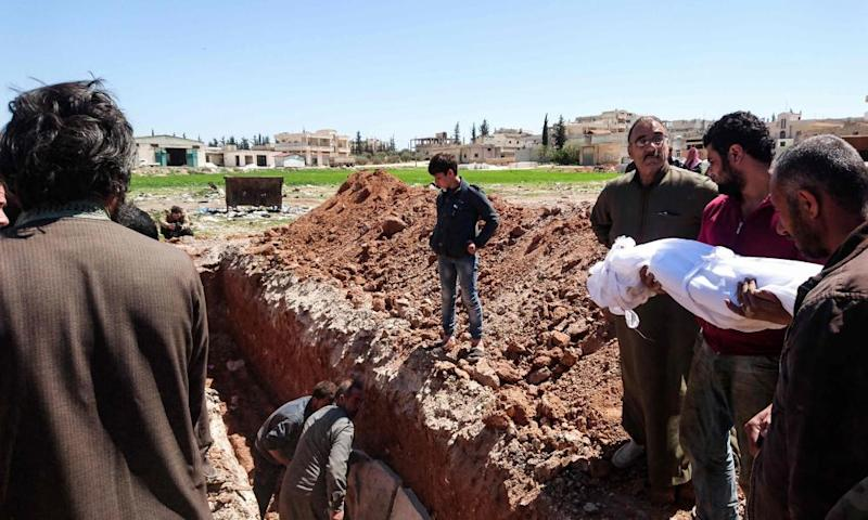 Citizens have begun burying the bodies of people killed in Khan Sheikhun.