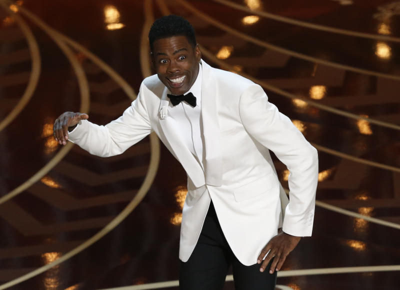 Comedian Chris Rock hosts the 88th Academy Awards in Hollywood, California February 28, 2016. REUTERS/Mario Anzuoni TPX IMAGES OF THE DAY