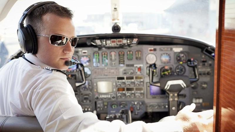 Flight Delayed Two Hours for Pilot's Sandwich Delivery
