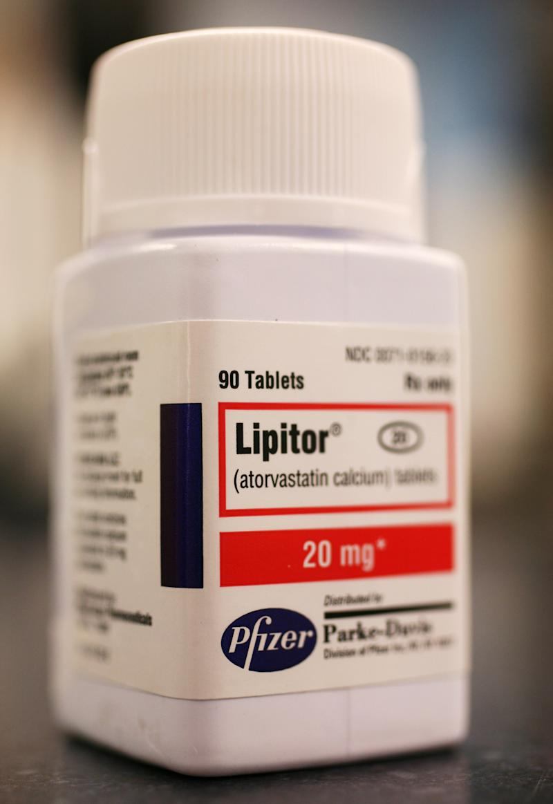 Consumer group sues 8 drugmakers over drug coupons