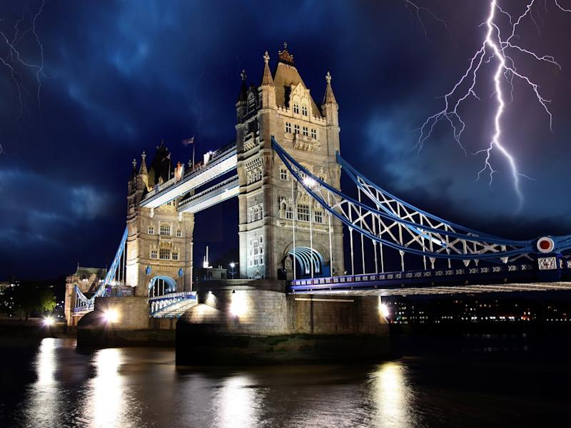 Lightning London Tower Bridge