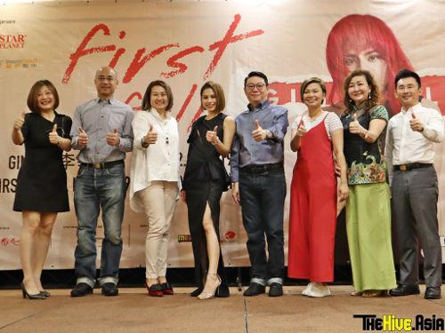 Gin Lee with the sponsors and organisers of her first Malaysian concert.