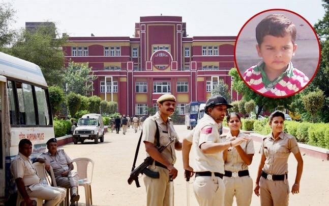 <p>In the audio, both are talking about fixing the case, once Ashok is out  on bail and putting the responsiblity of Pradyuman's murder on Ryan  International School's administration. </p>