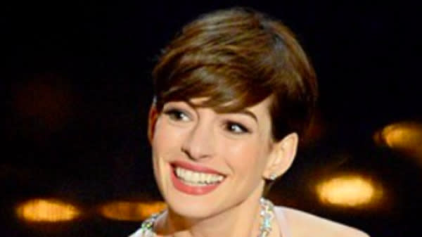 Anne Hathaway Has A Message For Her 'Corny' Oscars 'Haters' From 2013