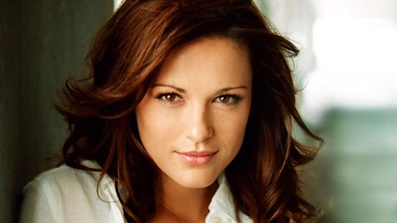 Supernatural casts danneel ackles in recurring role exclusive - Clark backo age ...