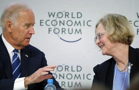 """U.S. Vice President Joe Biden (L) talks with Elizabeth Blackburn, President of The Salk Institute for Biological Studies during the session """"Cancer Moonshot: A Call to Action"""" during the annual meeting of the World Economic Forum (WEF) in Davos, Switzerland January 19, 2016. REUTERS/Ruben Sprich"""