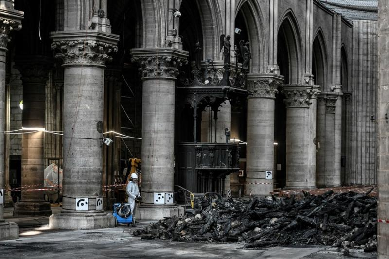 Tempers Flare Over Rebuilding of Notre-Dame Spire as Army General Castigates Chief Architect