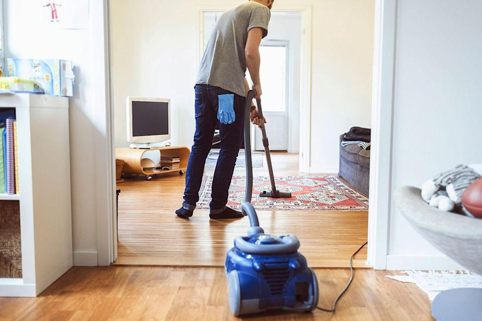 <p>Just by vacuuming, mopping floors, or washing windows for a little more than an hour, the average person can burn about 285 calories, lowering risk of death by 30%, according to a study of 302 adults in their 70s and 80s. </p>