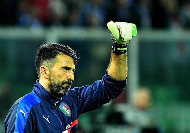 Italy's goalkeeper Gianluigi Buffon warms up before the FIFA World Cup 2018 qualification football match against Albania on March 24, 2017 (AFP Photo/ALBERTO PIZZOLI)