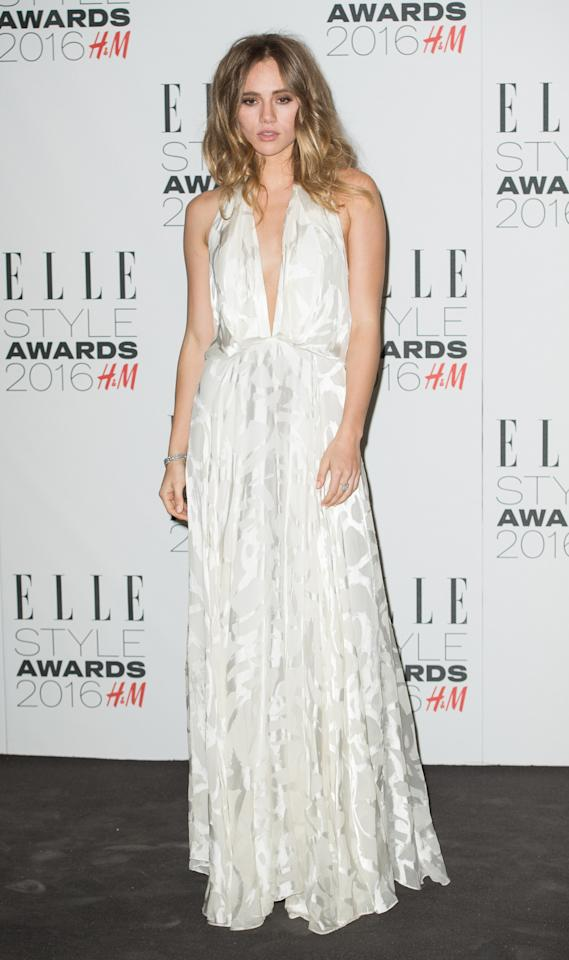 <p>The Breakthrough Star of the Year looked angelic in a floor-length white dress with her hair is loose, tousled curls. (<i>Photo: Getty Images</i>)</p>