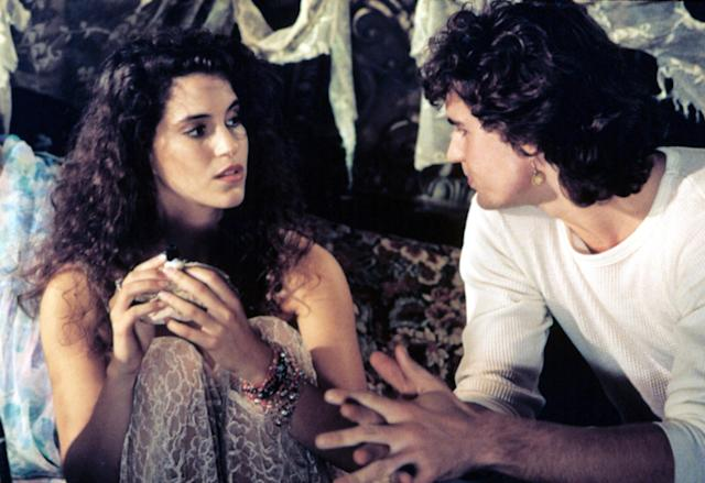 Jami Gertz in <em>The Lost Boys</em>. (Photo: Everett Collection)