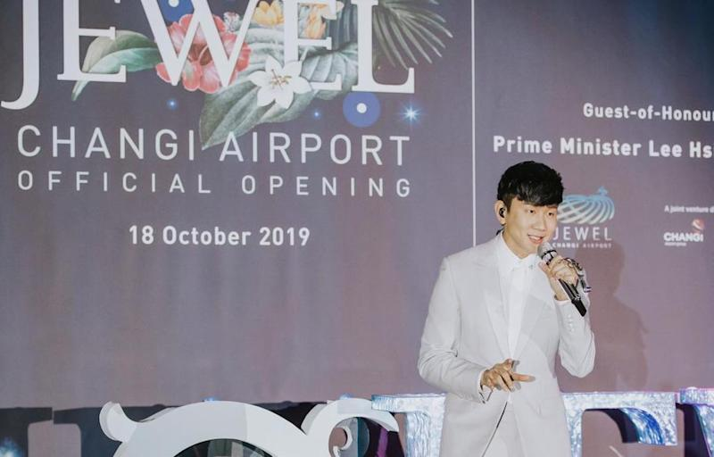 Singaporean Mandopop singer JJ Lin performing at the official opening of Jewel on 18 October, 2019. (Photo: Jewel Changi Group)