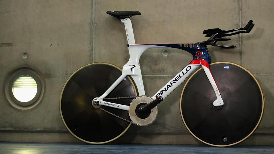 2015: A month later, Bradley Wiggins subsequently smashed Dowsett's record, riding 54.526km aboard this Pinarello Bolide Hour Record bike
