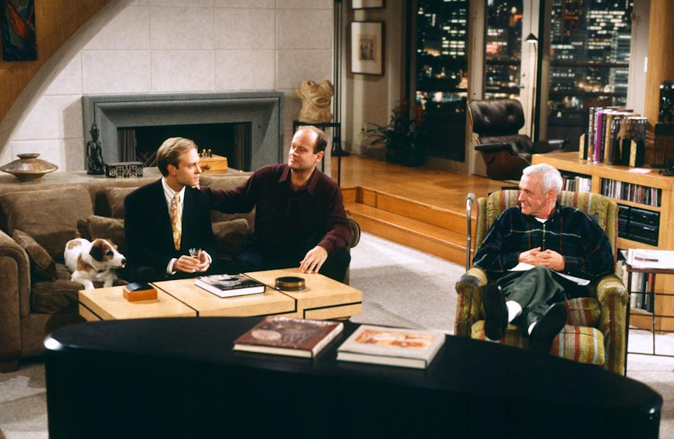 Kelsey on set with David Hyde Pierce and the late John Mahoney (Photo: Paul Drinkwater/NBCU Photo Bank/NBCUniversal via Getty Images)
