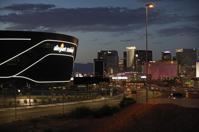 Raiders Won T Have Fans In New Las Vegas Stadium This Year