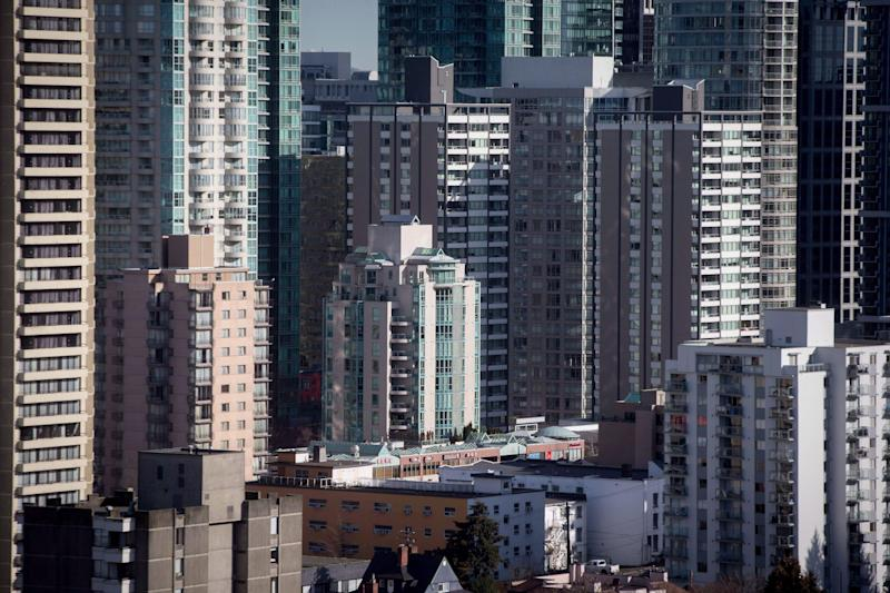 Condos and apartment buildings are seen in downtown Vancouver, B.C. on February 2, 2017. (Photo: Darryl Dyck/THE CANADIAN PRESS)