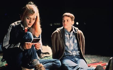 Hilary Swank (R) and Chloe Sevigny in Boys Don't Cry - Credit: Fox Searchlight/Reuters