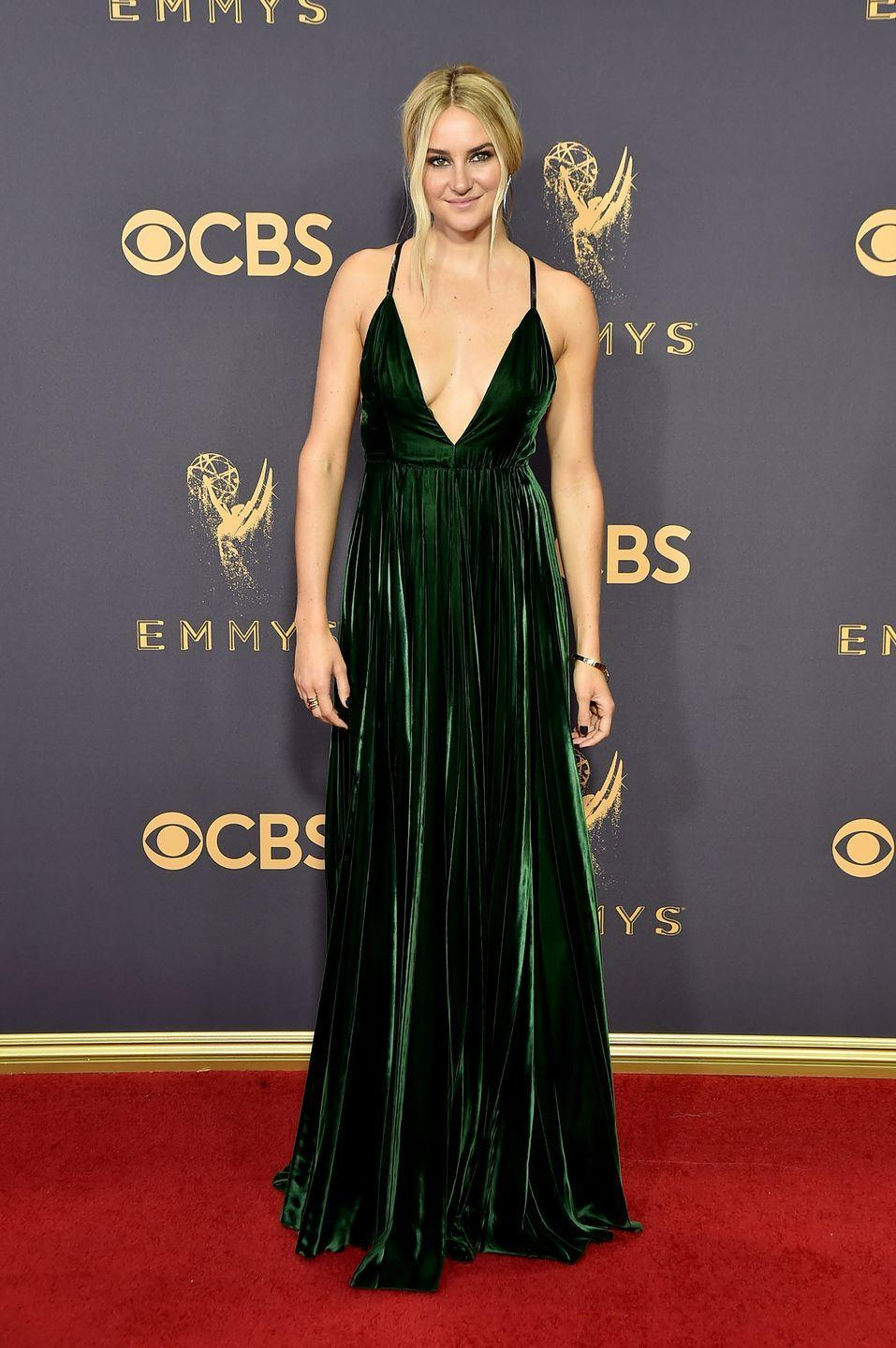 <p>The dark green velvet fabric on Shailene Woodley's Ralph Lauren evening gown looks like it could have been made from Merida's dress. </p>
