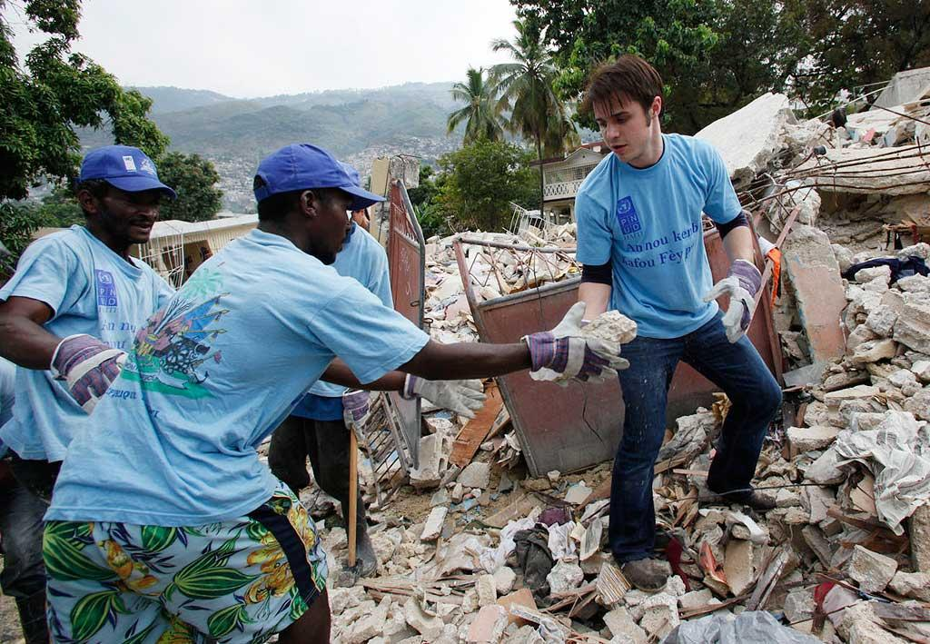 """American Idol"" star Kris Allen lent a hand to the UN effort in earthquake-devastated Haiti this week. ""I don't think there is any way to prepare for a trip like this,"" Allen said. The singer-songwriter has previously done missionary work in Thailand and Africa. UN Foundation/<a href=""http://www.splashnewsonline.com"" target=""new"">Splash News</a> - February 23, 2010"