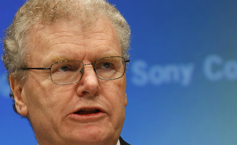 FILE - In this Nov. 19, 2009 file photo, Sony Corp. Chief Executive Howard Stringer speaks during a press conference,  in Tokyo, Japan. Stringer, who fought to bring a divided and struggling Sony Corp. together as the Japanese electronics and entertainment company's first foreign president, announced Friday, March 8, 2013, he is retiring as chairman in June.  (AP Photo/Shizuo Kambayashi, File)