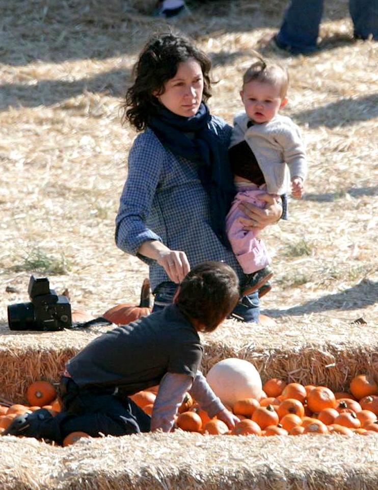 "Former ""Roseanne"" star Sara Gilbert and her kids search for the perfect gourd. Anthony/<a href=""http://www.pacificcoastnews.com/"" target=""new"">PacificCoastNews.com</a> - October 12, 2008"