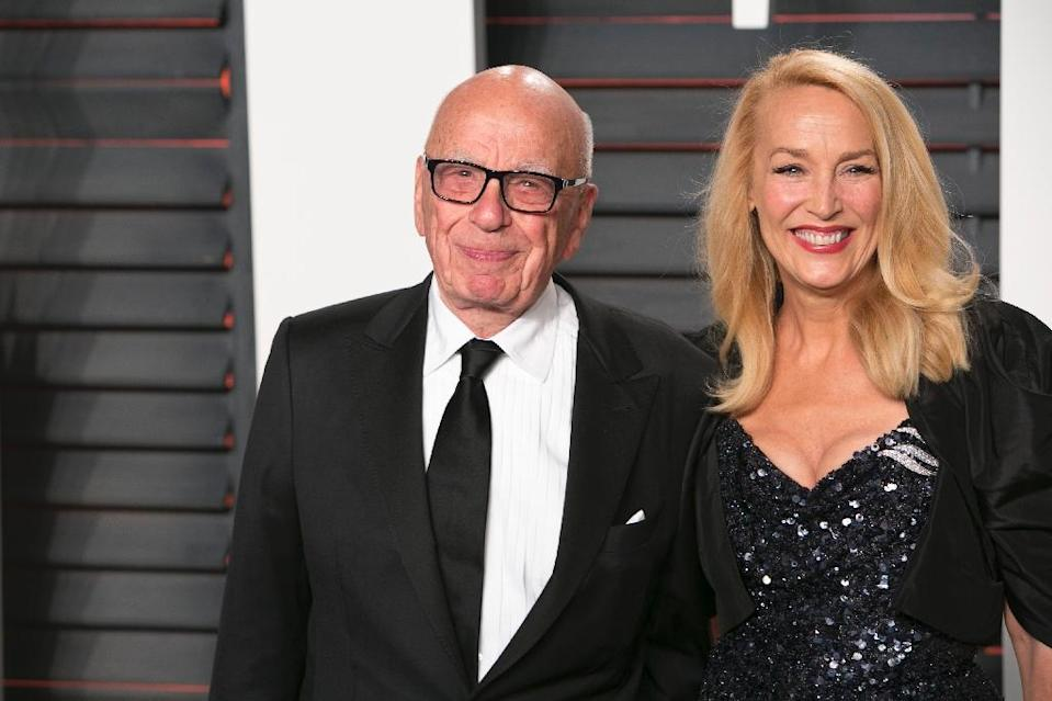 Rupert Murdoch and Jerry Hall arrives for the 2016 Vanity Fair Oscar Party in Beverly Hills, on February 28, 2016 (AFP Photo/Adrian Sanchez-Gonzalez)