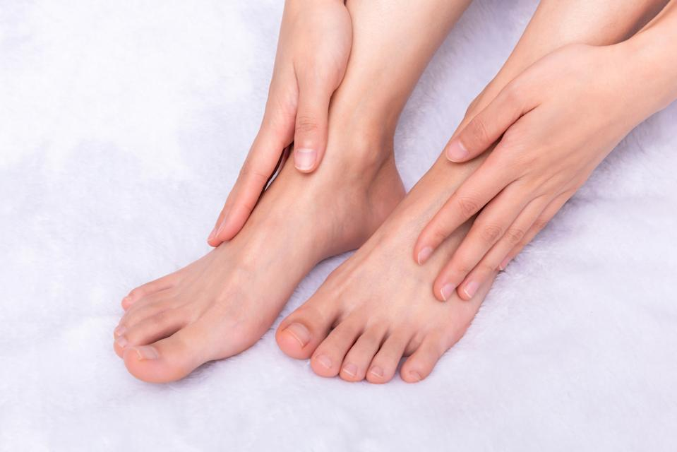 Softer feet are just three to five days away when you use an at-home foot peel. (Image via Getty Images)