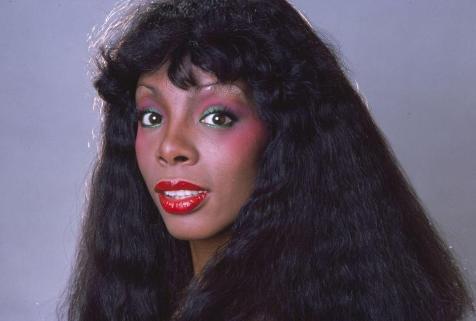 <p>Known as the Queen of Disco, Donna Summer is the fashion icon that comes to mind when thinking of the glamorous dance music of the '70s. With a strong and powerful voice, her style makes her stand out even more. With bright colors and a disco feel, you also can't forget the perfect blush.</p>