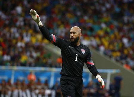 Tim Howard of the U.S. gestures during their 2014 World Cup round of 16 game against Belgium at the Fonte Nova arena in Salvador July 1, 2014. REUTERS/Michael Dalder