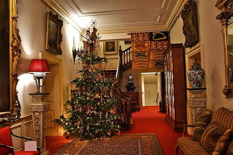 clarence-house-christmas-tree
