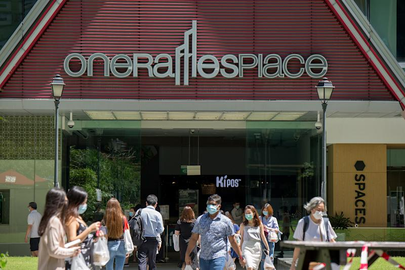 Office workers seen during lunch hour in Singapore's central business district on 2 June 2020. (PHOTO: Dhany Osman / Yahoo News Singapore)